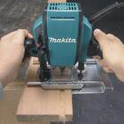 Makita 1-1/4 HP/8A 27,000 rpm Plunge Router Image 2